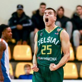 Basket - Un nuovo lituano per la Tarros Spezia che intanto va a Pisa