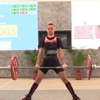 SOLLEVAMENTO PESI Per Martino Levaggi, a 15 anni, super risultato ai campionati italiani di powerlifting. Oro e tre record