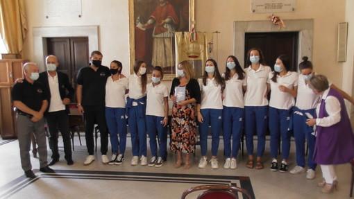 Pallavolo - Il Lunezia Volley ricevuto dal sindaco Cristina Ponzanelli