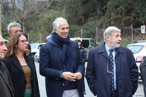 Ilaria Cavo, qui con il presidente del CONI Malagò e il Sindaco Bucci