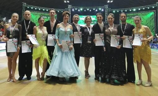 Nella foto da sinistra a destra: Danilo Giusi, Francesca Matteo, Luisella Fabrizio, Cinzia Andrea, Manuel ed Emanuela.