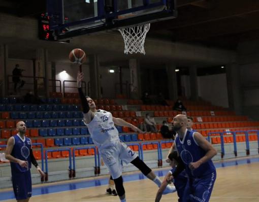 Basket - La Tarros Spezia si mette in pari col recupero con l'Olimpia Legnaua