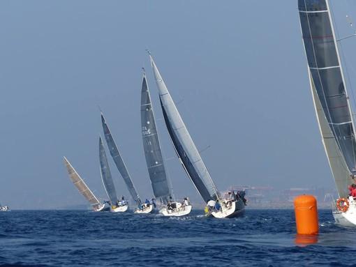 VELA - Parte il 7° Campionato della Lanterna con 44 barche
